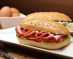 't Friet-uurtje - BELEGDE BROODJES